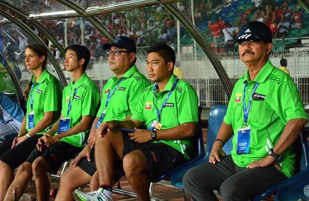 Physiotherapie und Sporttherapie aus Berlin Reinickendorf in Myanmar - Fußballmannschaft